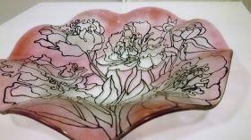Mísa z čirého skla dekorovaná konturou a pigmenty