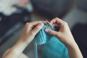 Základy ručního pletení a šití na stroji - začátek od 4.6. - 1