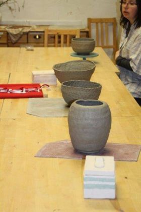 protlačovaný dekor - mísa váza